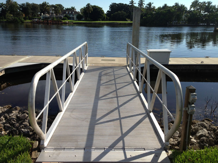 Aluminum Ramp / Concrete Floating Dock